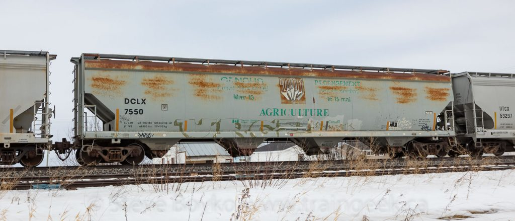 DCLX 7550 in Dufresne, MB, March 2020