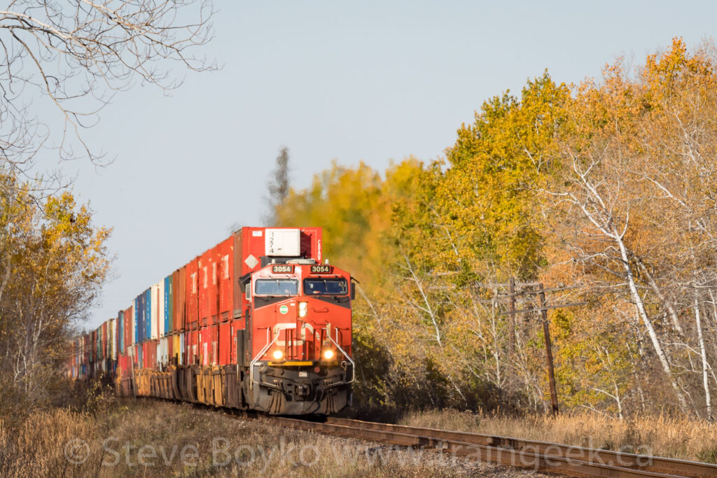 CN 3054 East with a touch of fall colour