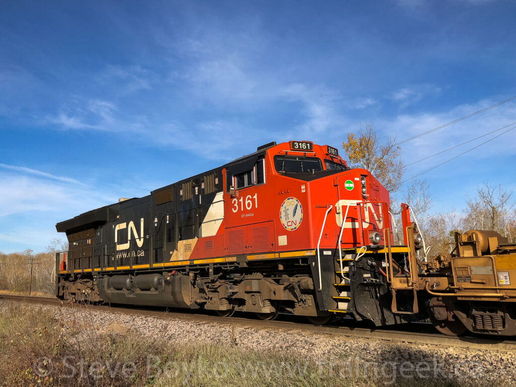 CN 3161 pushing hard on the tail