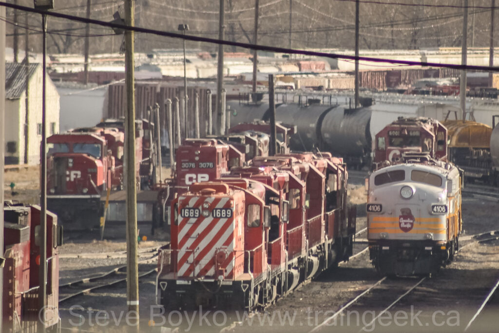 CP 1689 among friends in Calgary's Alyth yard, October 13, 2010