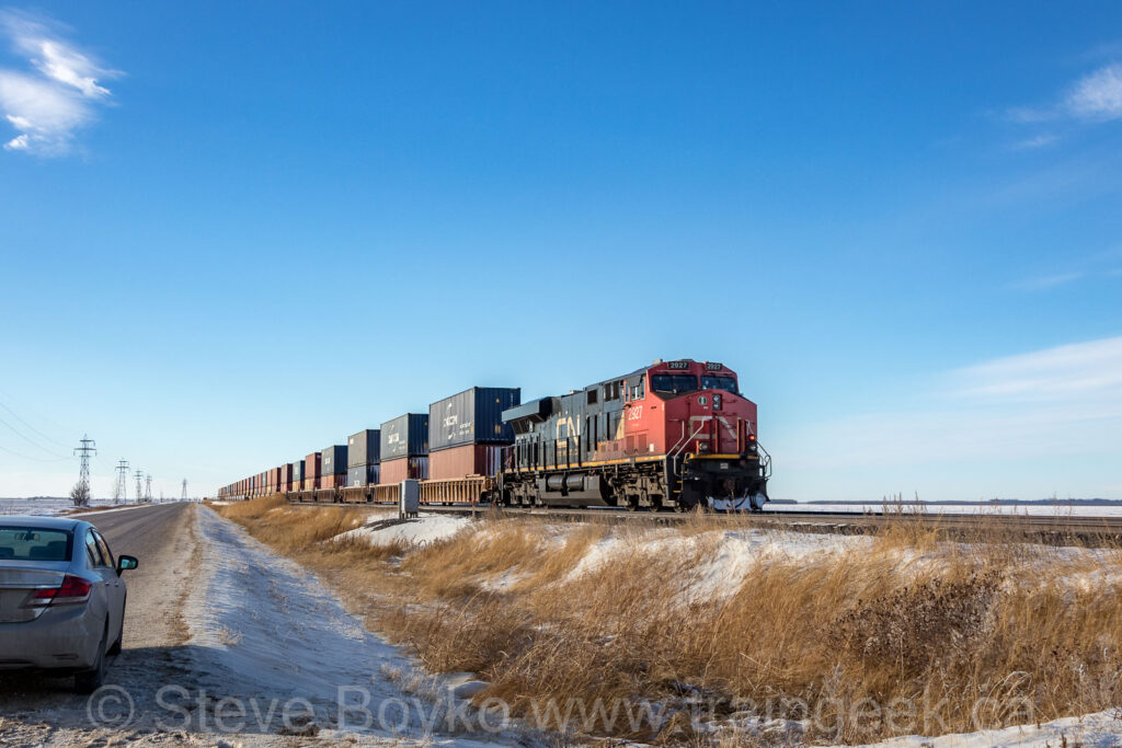 CN 2927 on the tail end
