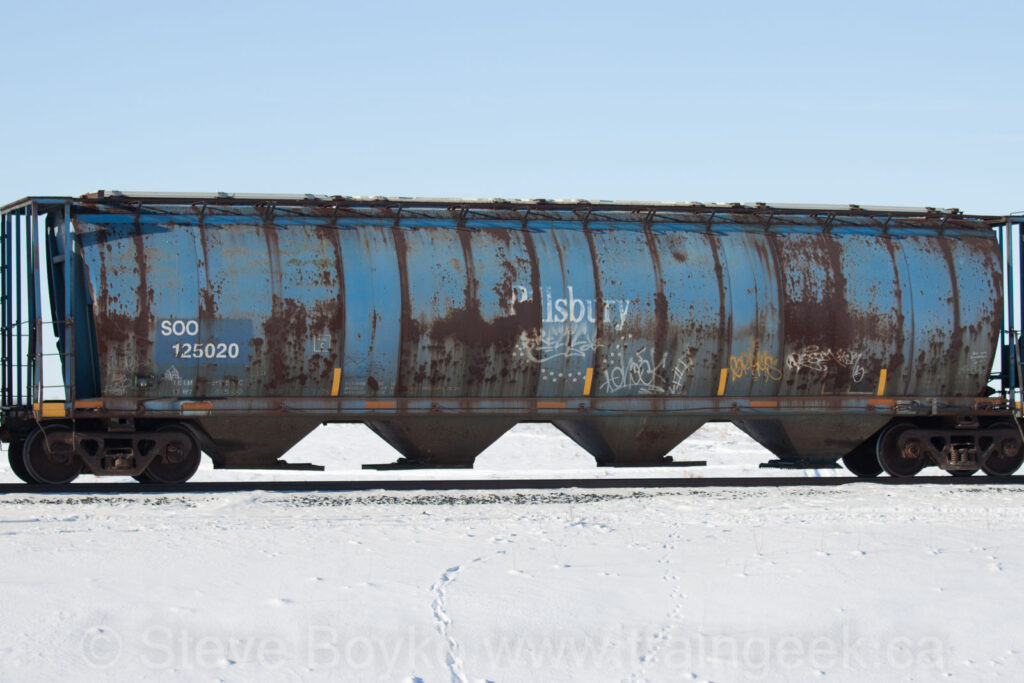 SOO 125020 outside Winnipeg, Jan 2016