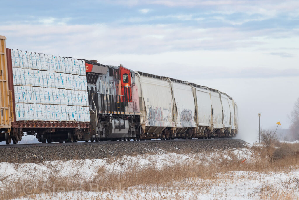 CN 3090 in the middle