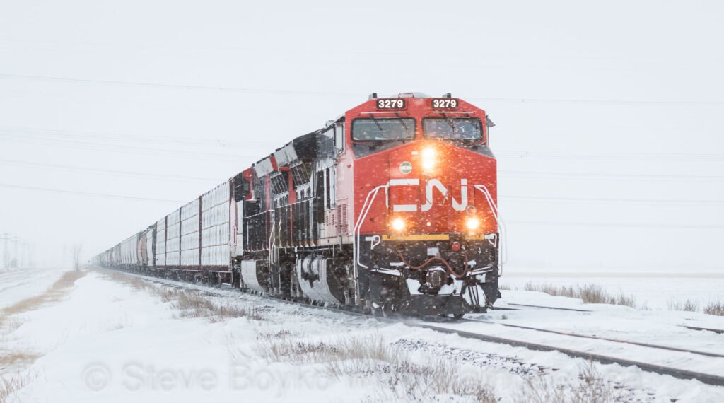 CN 3279 waiting at mile 15
