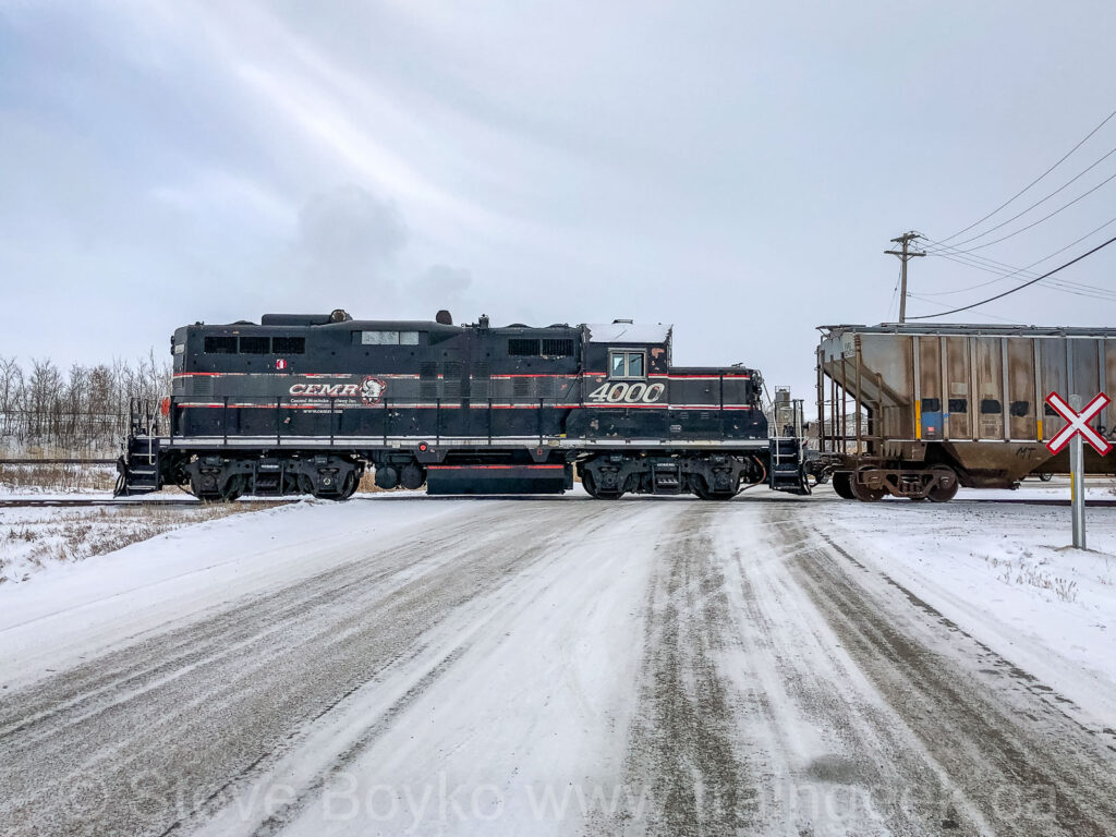 CEMR 4000 working the yard in North Transcona