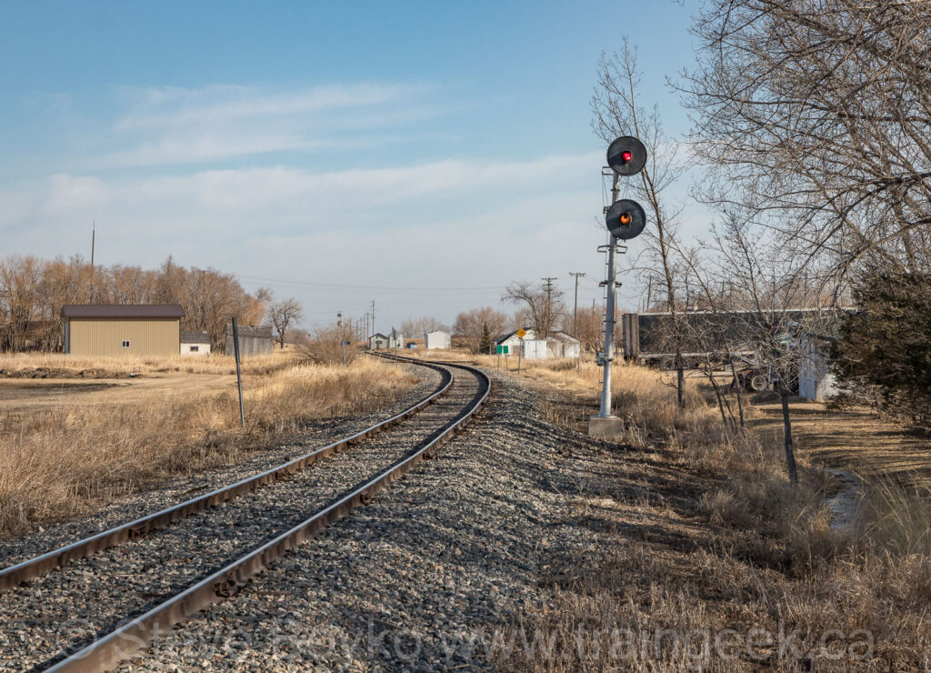 CP signal in Morris, MB - view facing north