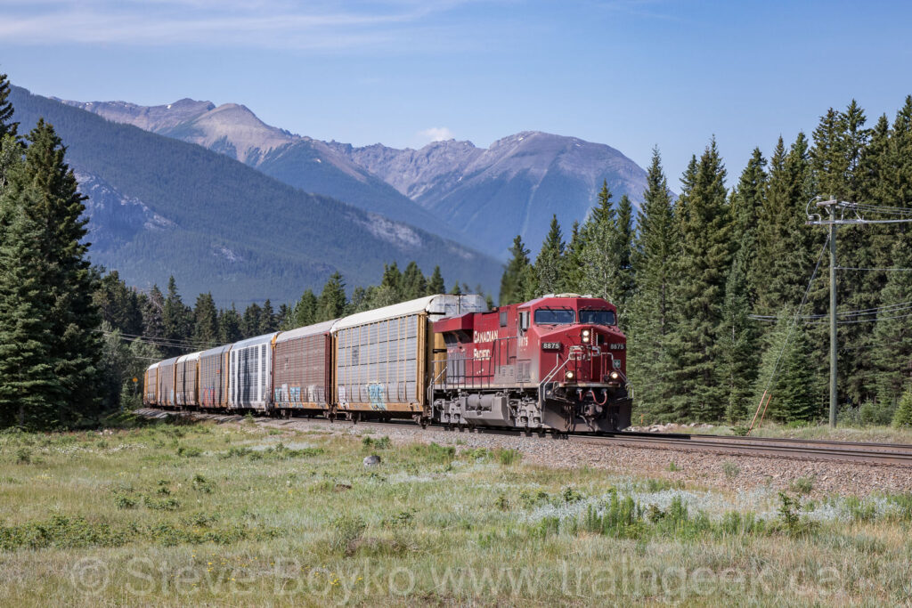 CP 8875 approaching Banff East