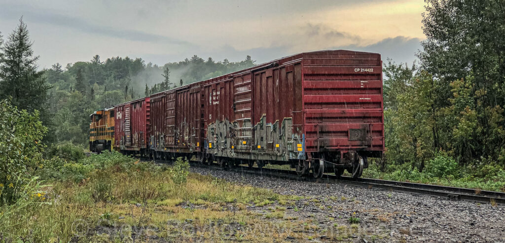 Huron Central locomotive and CP boxcars, Baldwin, ON